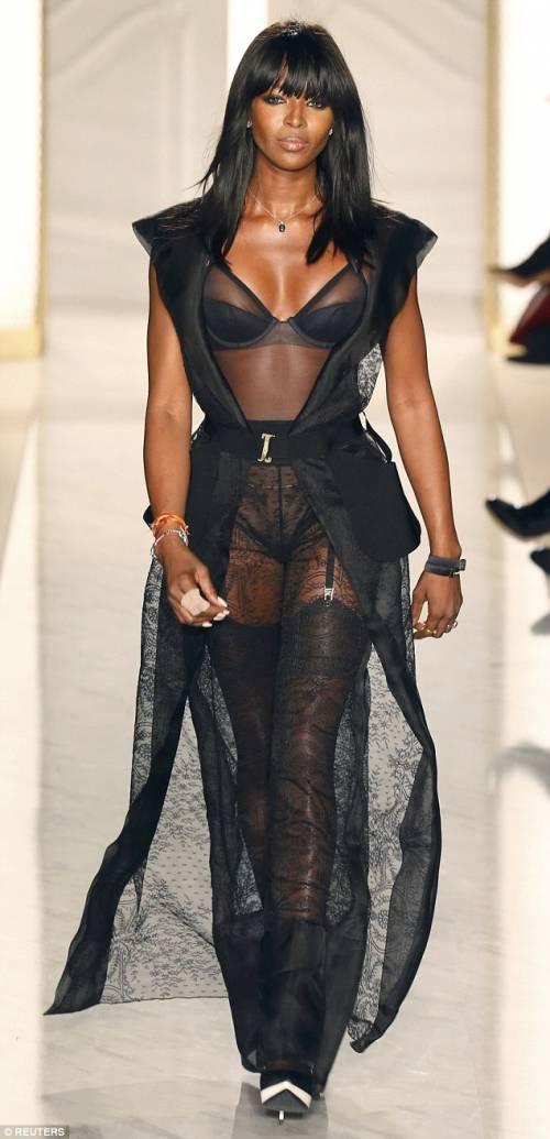 Naomi Campbell, 45 anni da Venere Nera 22