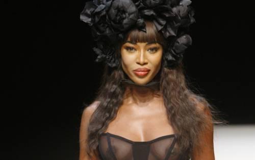 Naomi Campbell, 45 anni da Venere Nera 28