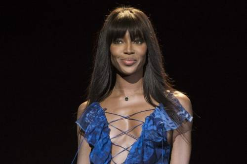 Naomi Campbell, 45 anni da Venere Nera 32