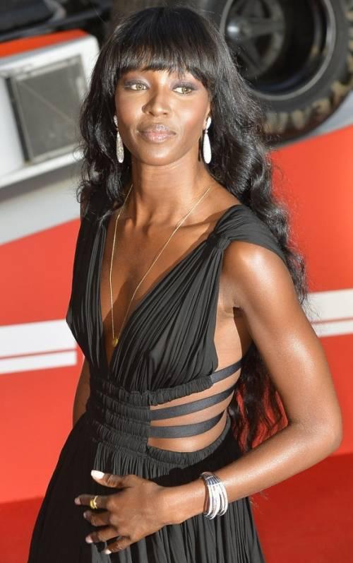 Naomi Campbell, 45 anni da Venere Nera 33