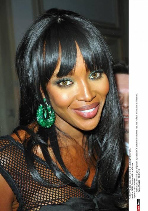 Naomi Campbell, 45 anni da Venere Nera 42