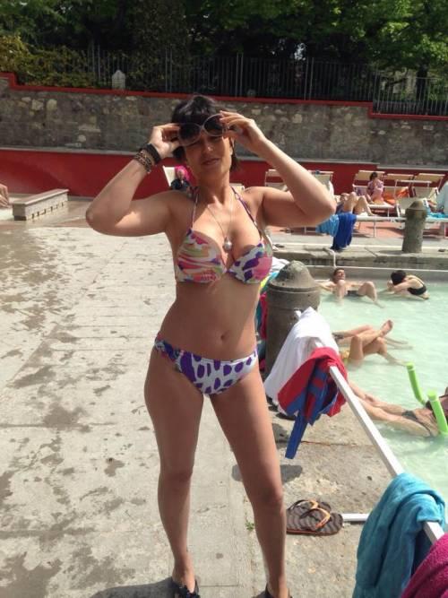 Sara Tommasi apre una nuova fanpage su Facebook: tutte le foto sexy 9