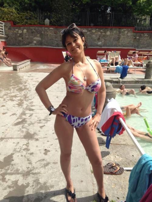 Sara Tommasi apre una nuova fanpage su Facebook: tutte le foto sexy 11