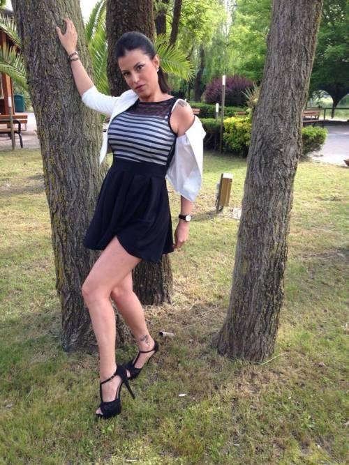 Sara Tommasi apre una nuova fanpage su Facebook: tutte le foto sexy 12