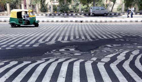 Il caldo killer scioglie l'asfalto 5