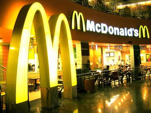 """McDonald's: """"Non siamo il diavolo, stessa carne del supermarket"""""""