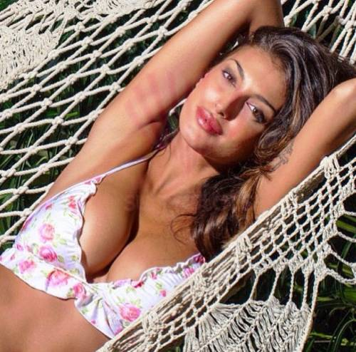 Cristina Buccino hot su instagram 12