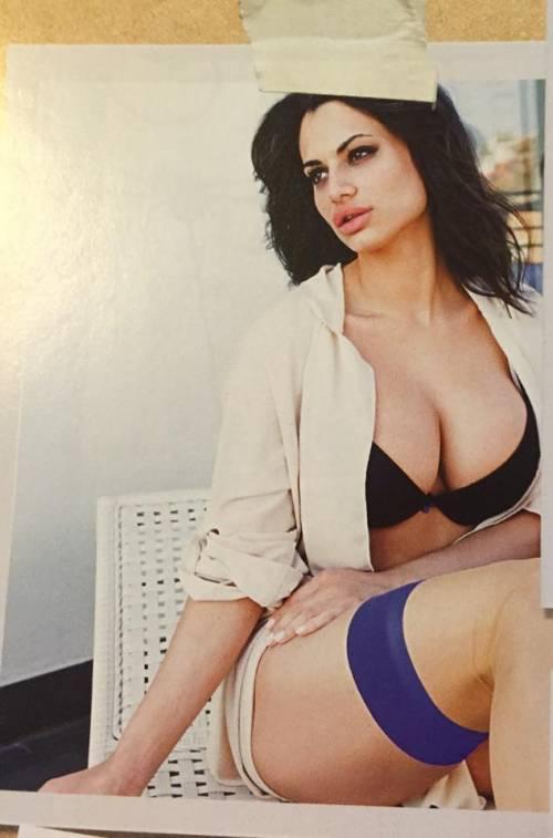 Cristina Del Basso: i selfie hot fanno impazzire Facebook 15