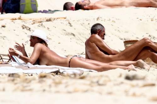 Il topless di Cristina Parodi a Formentera 11