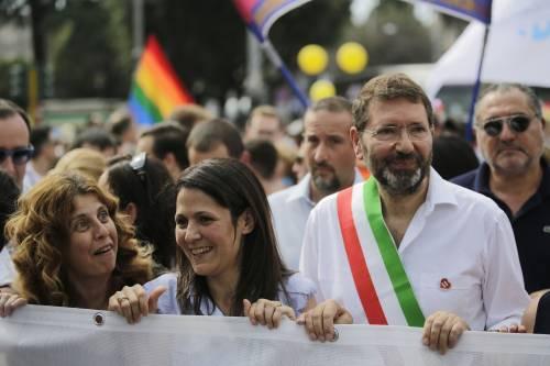 """Roma, la consigliera Pd  contro il Gay Pride, Sel: """"Vada a dire il rosario"""""""