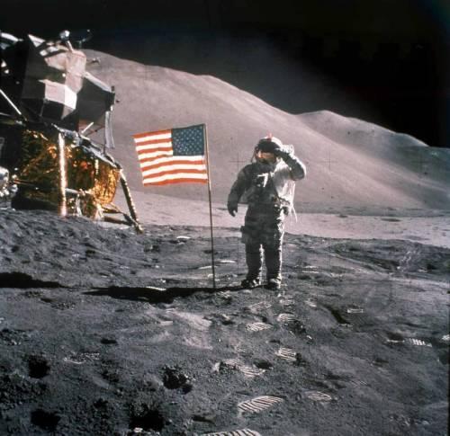 Complottismo lunare. Mosca rilancia i dubbi sulle conquiste spaziali