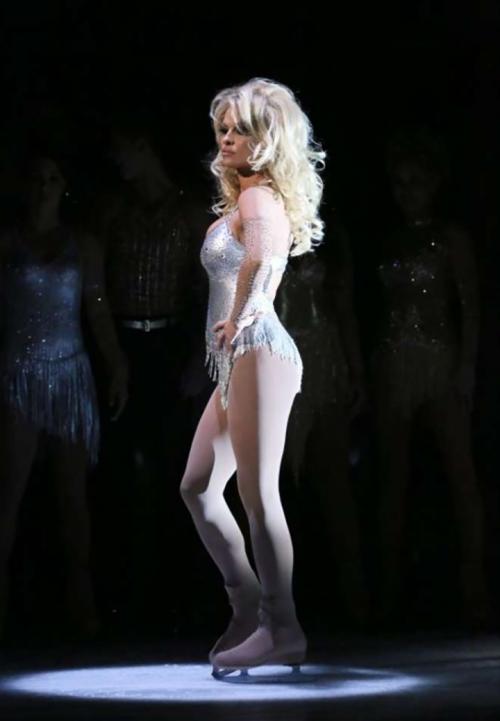 Pamela Anderson sexy e impegnata 35