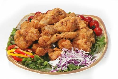 Australia, l'annuncio di lavoro per testare il pollo fritto