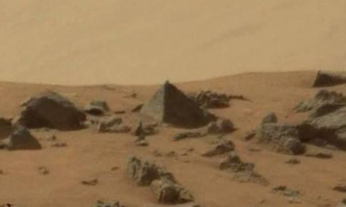 Trovate piramidi su Marte
