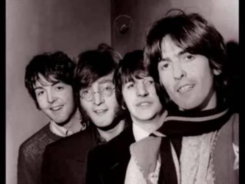 Beatles, miti da sfatare: selfie, droga LSD, extraterrestri e sosia
