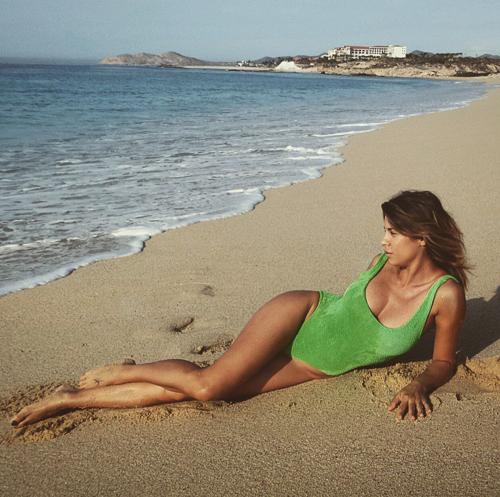 Elisabetta Canalis tra pubblico e privato su Instagram 7