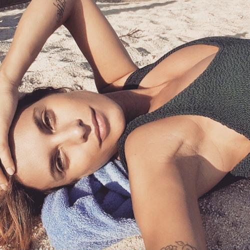 Elisabetta Canalis tra pubblico e privato su Instagram 10