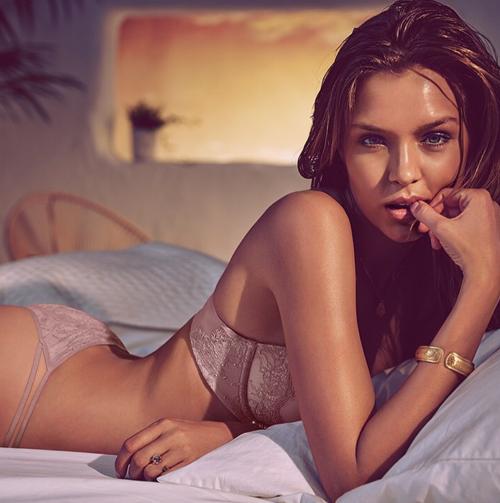 Victoria's Secret tra curvy e magre 29