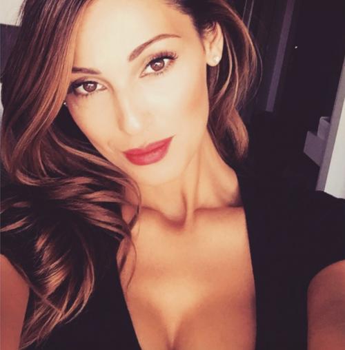 Anna Tatangelo su Instagram 13