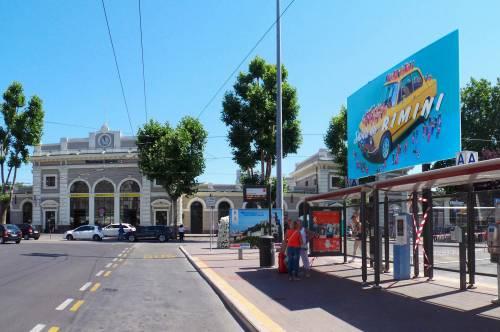 Le cartoline di Cattelan a Rimini 10