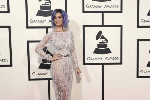 Katy Perry, sexy e ricca: 135 milioni di dollari nel 2015 6
