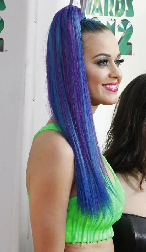 Katy Perry, sexy e ricca: 135 milioni di dollari nel 2015 9
