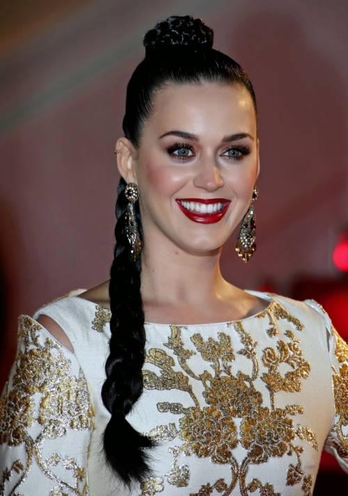 Katy Perry, sexy e ricca: 135 milioni di dollari nel 2015 8