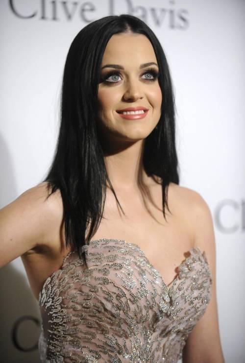 Katy Perry, sexy e ricca: 135 milioni di dollari nel 2015 19