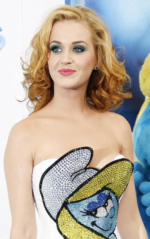 Katy Perry, sexy e ricca: 135 milioni di dollari nel 2015 18
