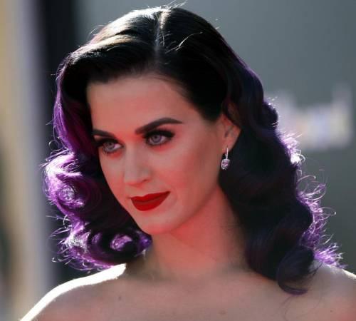 Katy Perry, sexy e ricca: 135 milioni di dollari nel 2015 23