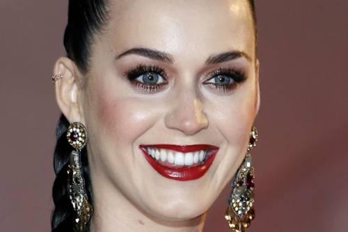 Katy Perry, sexy e ricca: 135 milioni di dollari nel 2015 28