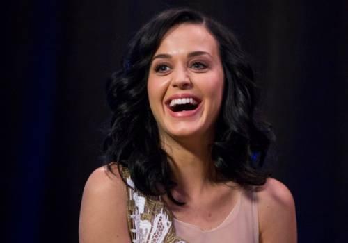 Katy Perry, sexy e ricca: 135 milioni di dollari nel 2015 31