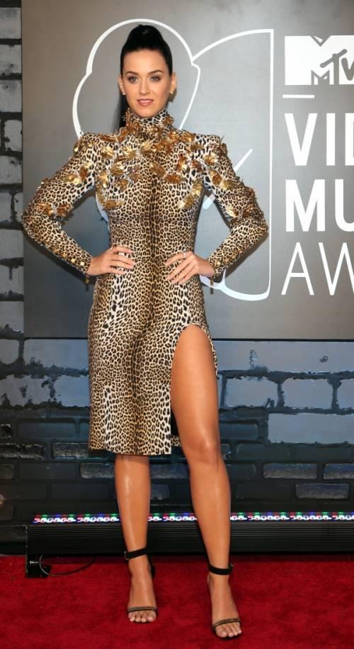 Katy Perry, sexy e ricca: 135 milioni di dollari nel 2015 34