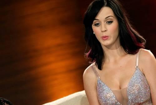Katy Perry, sexy e ricca: 135 milioni di dollari nel 2015 40