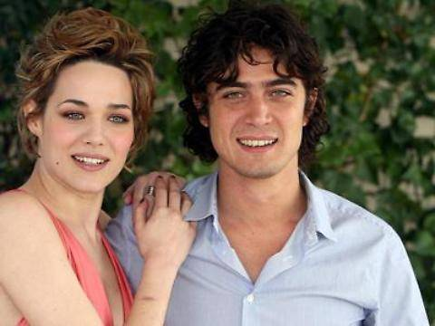 Chiatti e Scamarcio si sposano sul set del nuovo film in Puglia