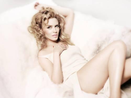 Chris Martin, solo bionde e sexy: addio a Jennifer Lawrence, ora Kylie Minogue 7