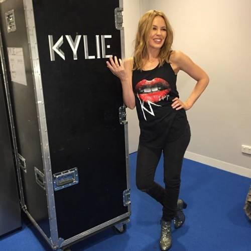 Chris Martin, solo bionde e sexy: addio a Jennifer Lawrence, ora Kylie Minogue 10