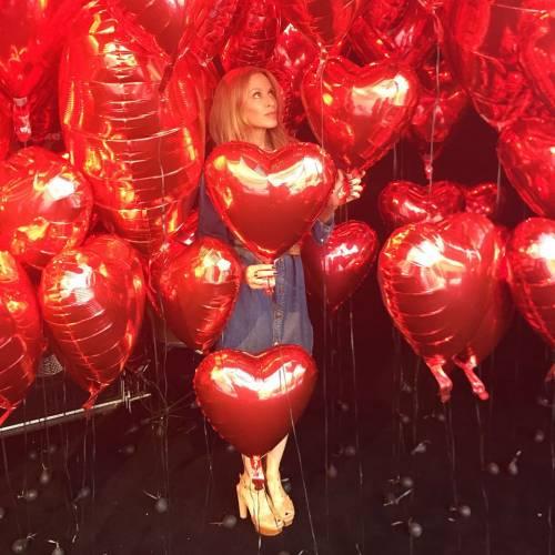 Chris Martin, solo bionde e sexy: addio a Jennifer Lawrence, ora Kylie Minogue 14