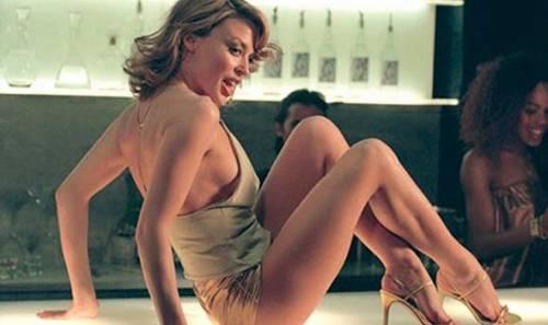 Chris Martin, solo bionde e sexy: addio a Jennifer Lawrence, ora Kylie Minogue 2