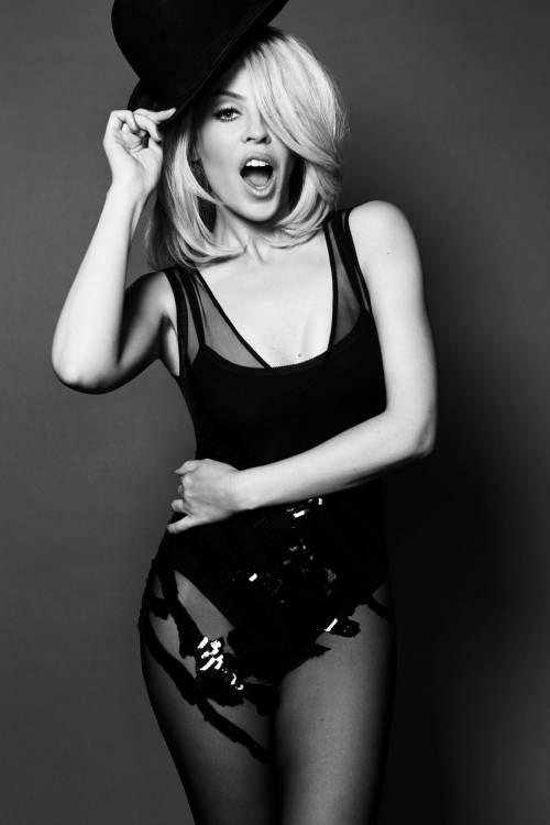 Chris Martin, solo bionde e sexy: addio a Jennifer Lawrence, ora Kylie Minogue 17