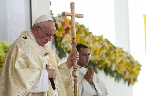 """Giubileo, Papa Francesco: """"Assolvere le donne che sono pentite per il peccato di aborto"""""""