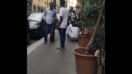 Porta Venezia: tutti in coda per avere i documenti falsi e lasciare l'Italia 4