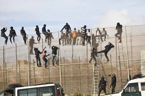 Migranti respinti in Marocco, la Corte di Strasburgo condanna la Spagna