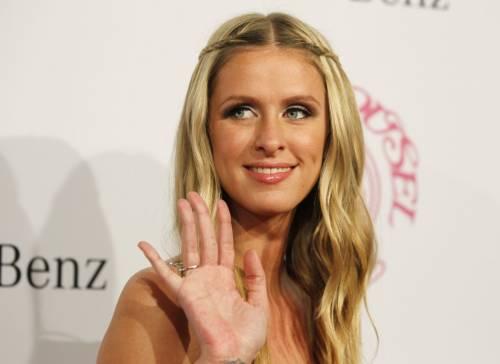 Nicky Hilton: abito bianco sexy ma sobrio per la sorellina di Paris  12
