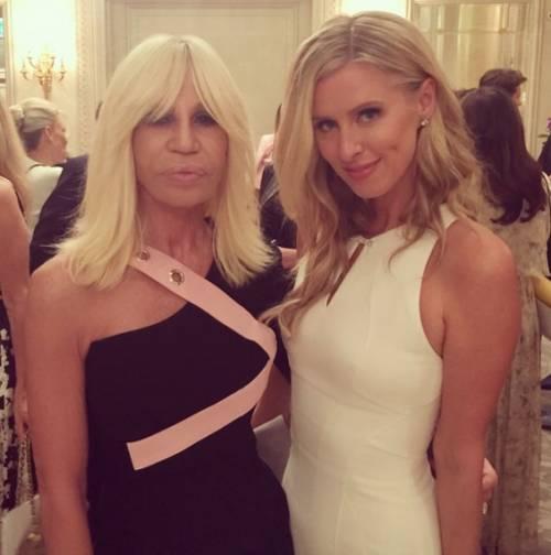 Nicky Hilton: abito bianco sexy ma sobrio per la sorellina di Paris  19
