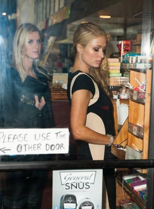 Nicky Hilton: abito bianco sexy ma sobrio per la sorellina di Paris  29