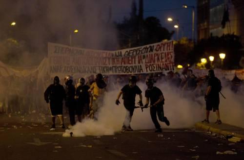 Gli scontri in piazza Syntagma 6