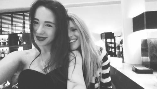Michelle Hunziker e Aurora Ramazzotti, belle al mare 7