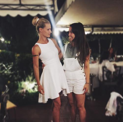Michelle Hunziker e Aurora Ramazzotti, belle al mare 13