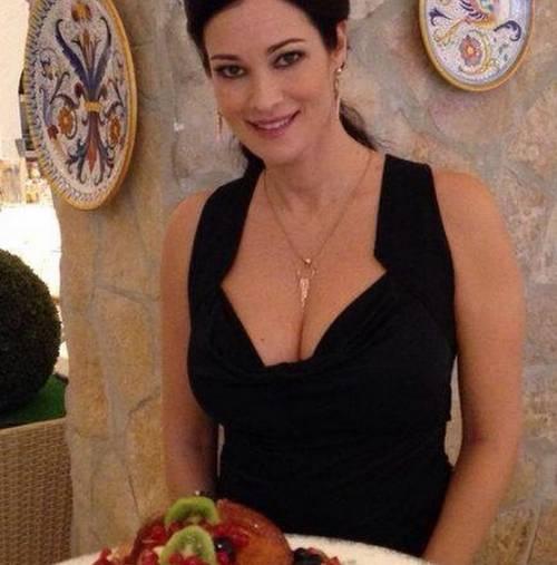 Manuela Arcuri, sempre più bella grazie a Mattia 10